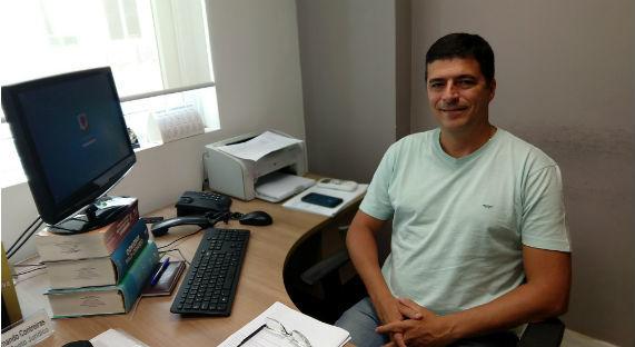 Um departamento especializado em causas trabalhistas e previdenciárias representa os profissionais em ações coletivas ou individuais
