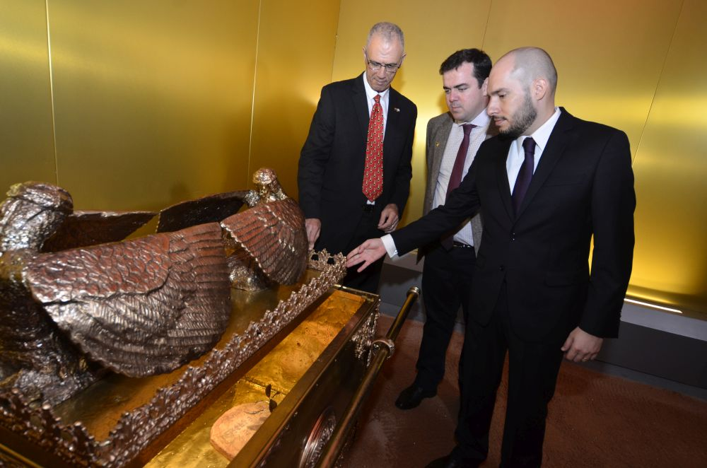 Embaixador de Israel no Brasil visita Templo de Salomão