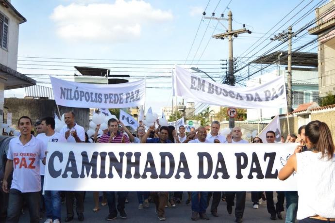 """Universal em Nilópolis promove """"Caminhada da Paz"""""""