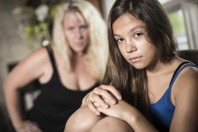 Mãe castiga adolescente que publicou fotos sensuais na web