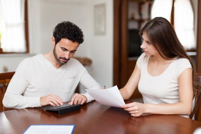 Como dividir as contas entre o casal?