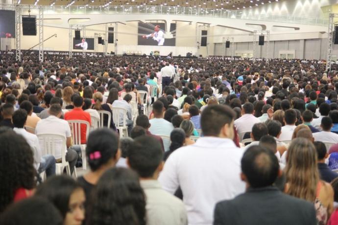 Bispo Edir Macedo reúne  50 mil pessoas em Fortaleza