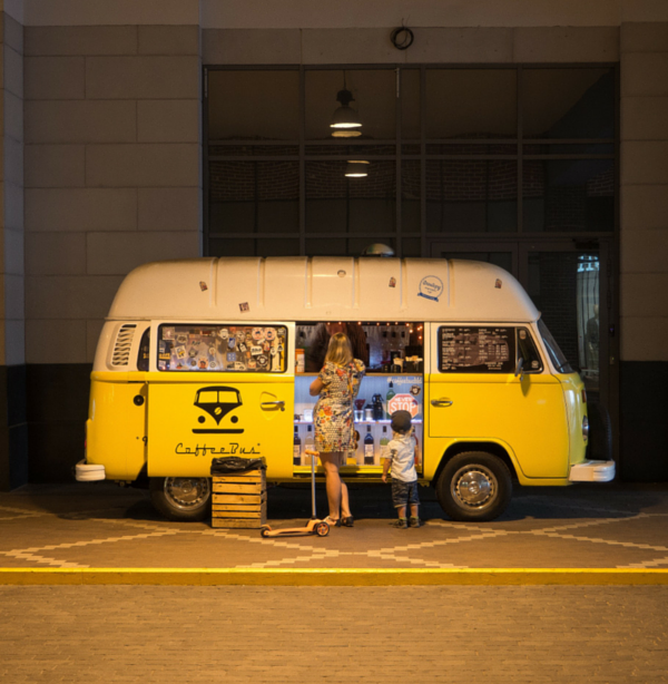 Źródło: unsplash.com, Author: Dmitry Food Truck POSbistro,