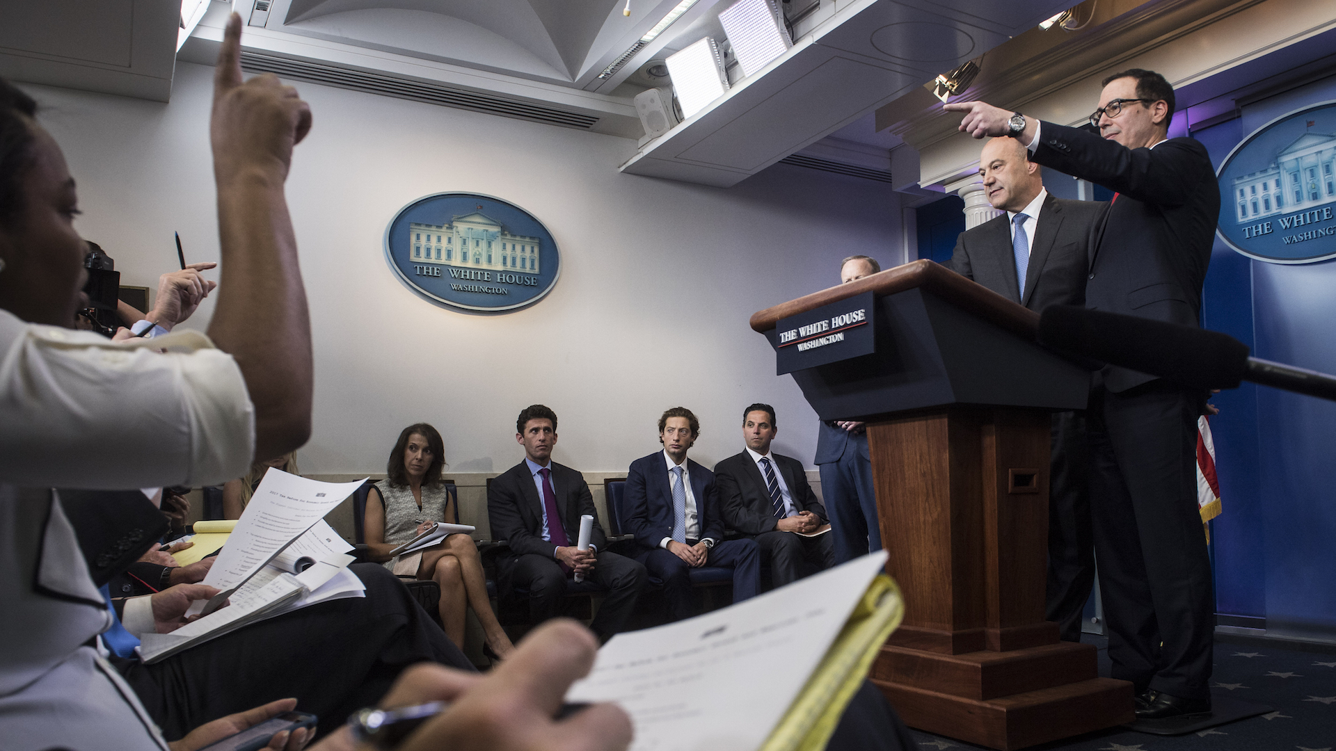 White House unveils dramatic plan to overhaul tax code in major test for Trump