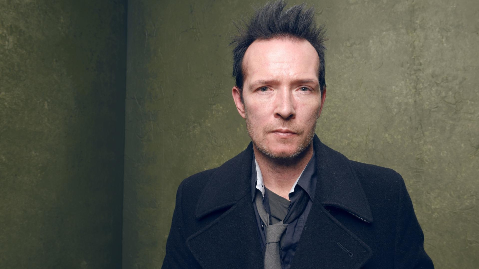Scott Weiland, Stone Temple Pilots singer who struggled with addiction, dead at 48