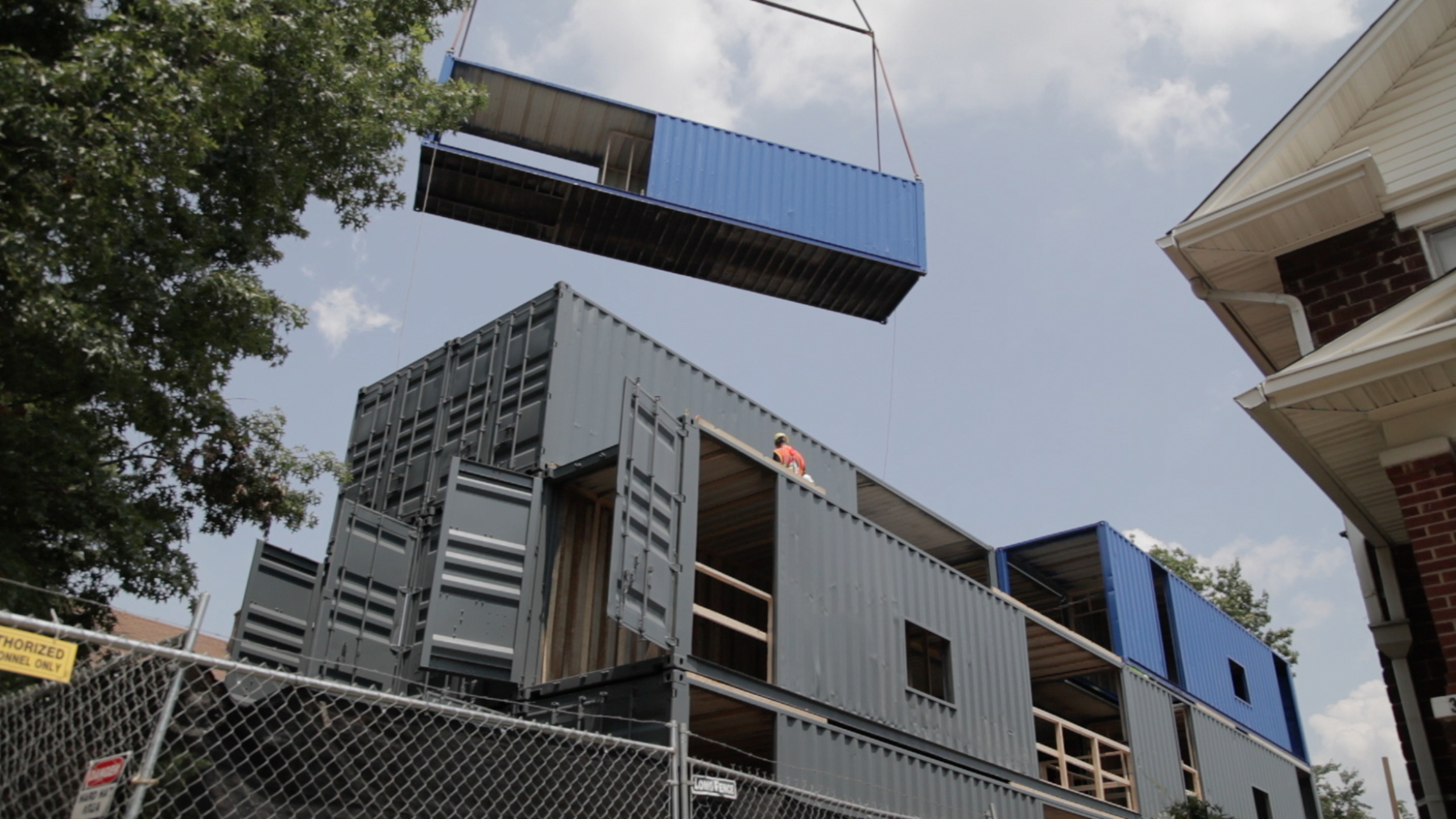 Inside the box thinking yields shipping container Container appartement