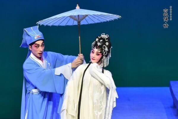Zeng Xiaomin, a leading diva of contemporary Cantonese Opera