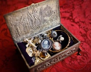 Collecting Estate Jewelry