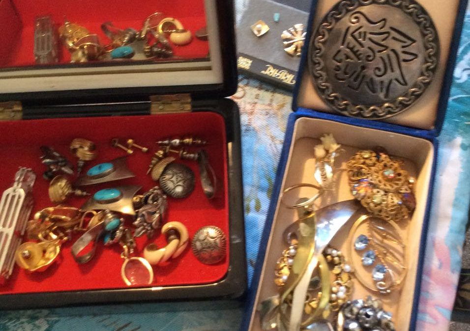 Jewelry Antiques and Collectibles in Broomfield!