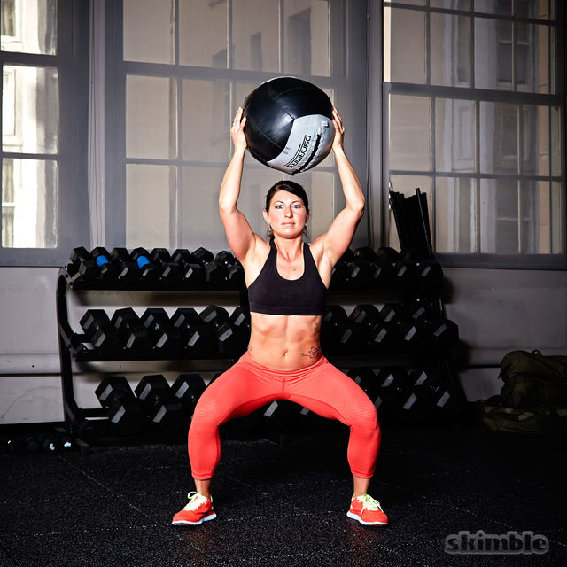 How to do: Good Morning Medicine Ball Catches - Step 1
