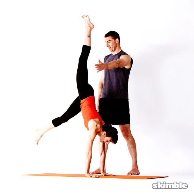 How to do: Advanced Assisted Handstand - Step 2