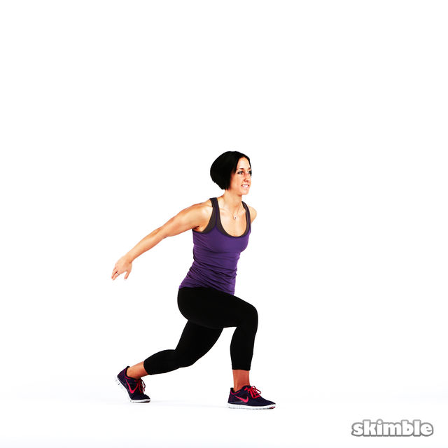 How to do: Back Lunge Kick Jump Switch - Step 1