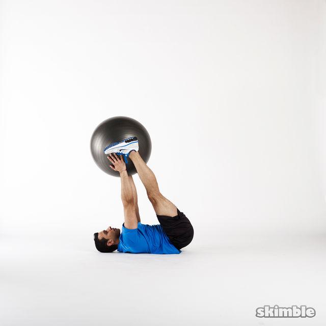 How to do: Medicine Ball Jackknife - Step 3