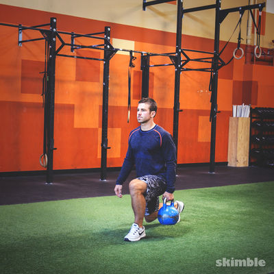 Right Reverse Lunges with Kettlebell