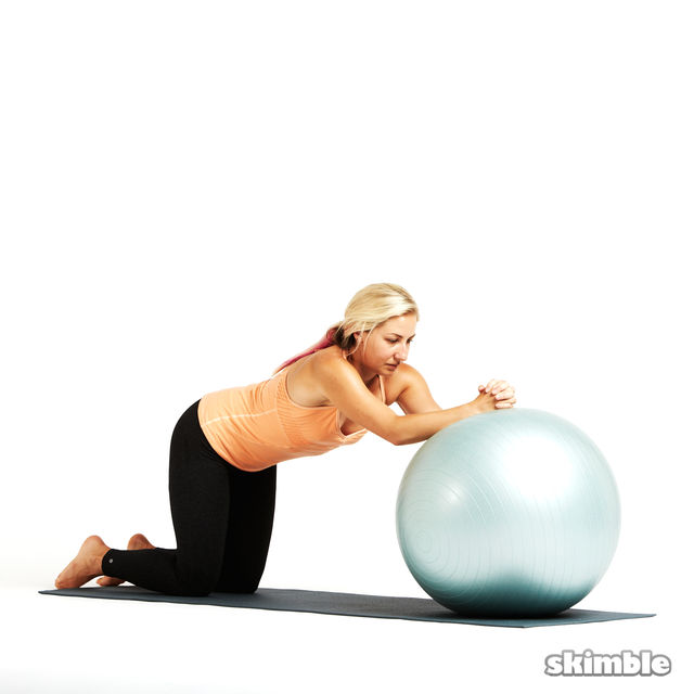 How to do: Ball Ab Rolls - Step 1