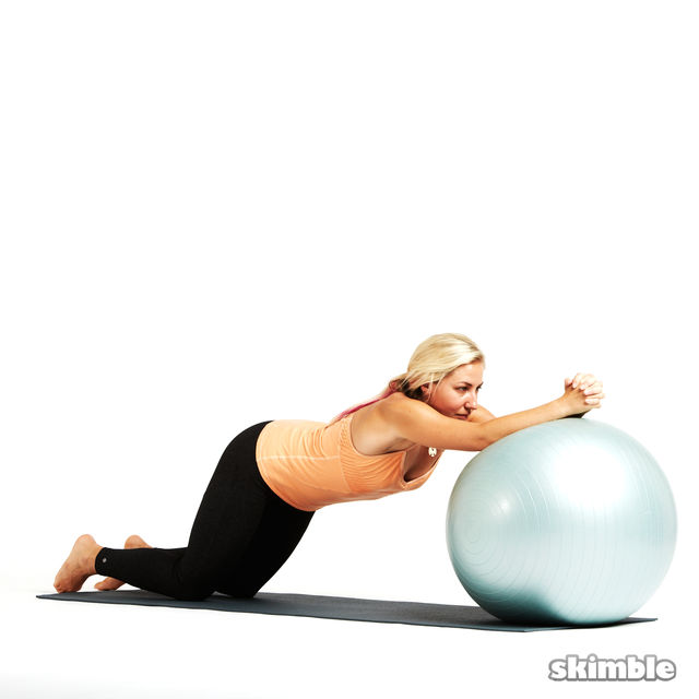 How to do: Ball Ab Rolls - Step 2