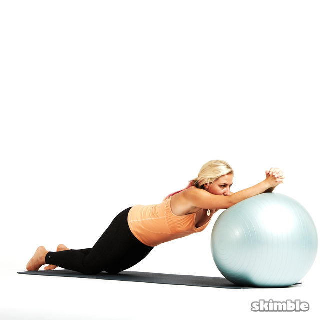 How to do: Ball Ab Rolls - Step 3