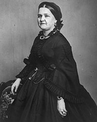 Caption: Mary Todd Lincoln , Credit: www.mrlincolnswhitehouse.org