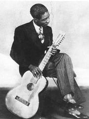 Caption: Lonnie Johnson 1920s