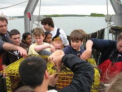 Caption: Middle school students learn about the ocean from Project Oceanology staff., Credit: Christine Sziabowski