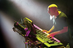 Caption: Jordan Rudess