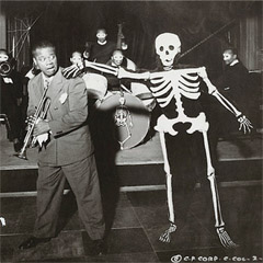 Caption: Satchmo gettin' spooked back in 1936