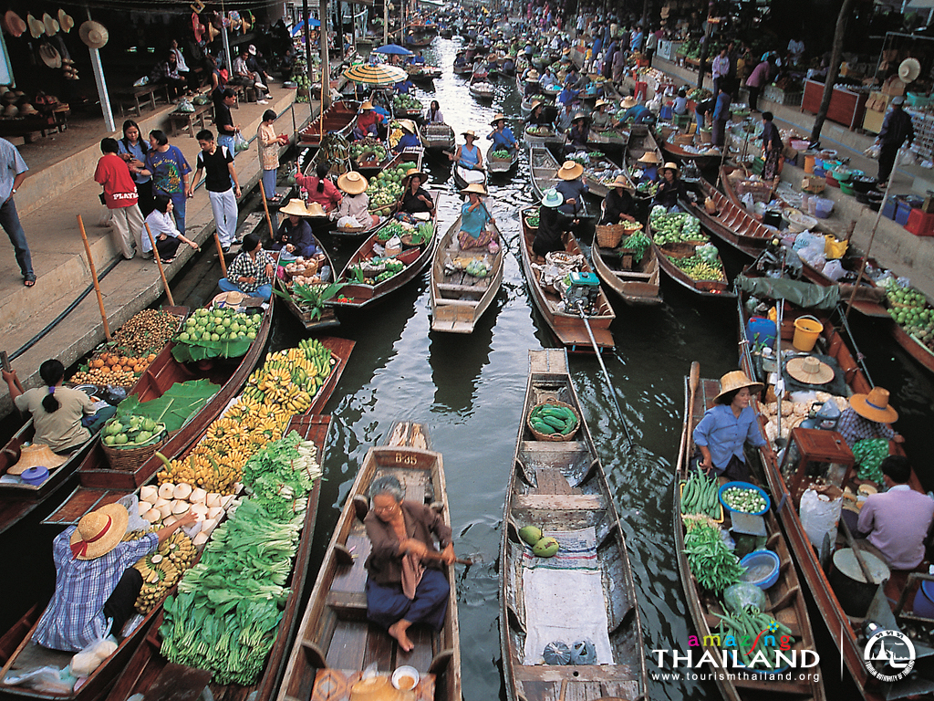 Caption: Damnersaduak Floating Market, Bangkok, Thailand