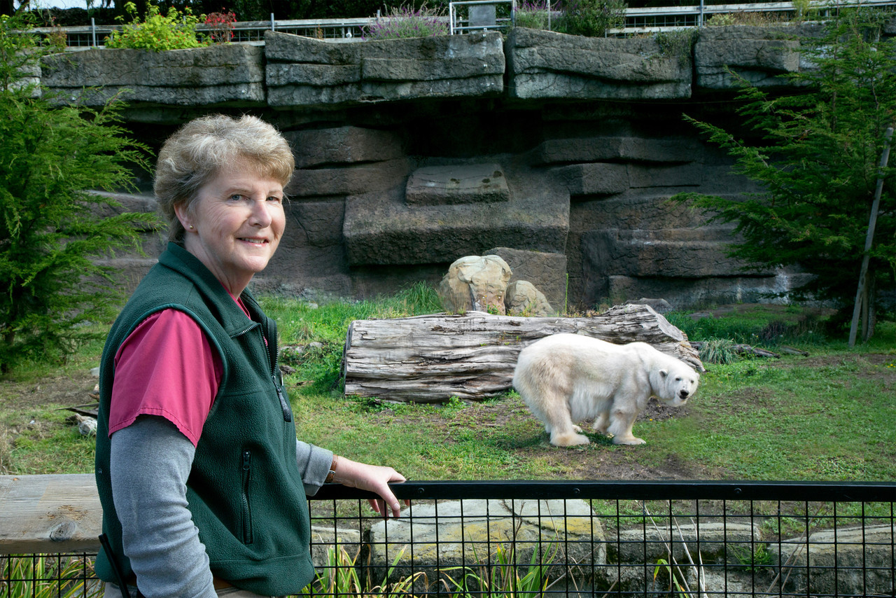 Caption: San Francisco Zoo vet tech Gail Hedberg poses with Pike, a 30-year-old polar bear she raised from birth., Credit: Credit Courtesy of San Francisco Zoo