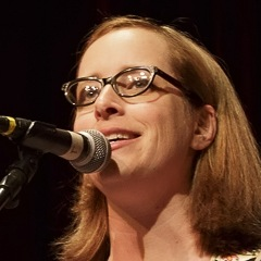Caption: Singer/songwriter Laura Veirs, Credit: Jennie Baker for Live Wire!