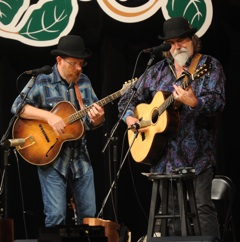 Caption: Tim and Darrell performs on WoodSongs.