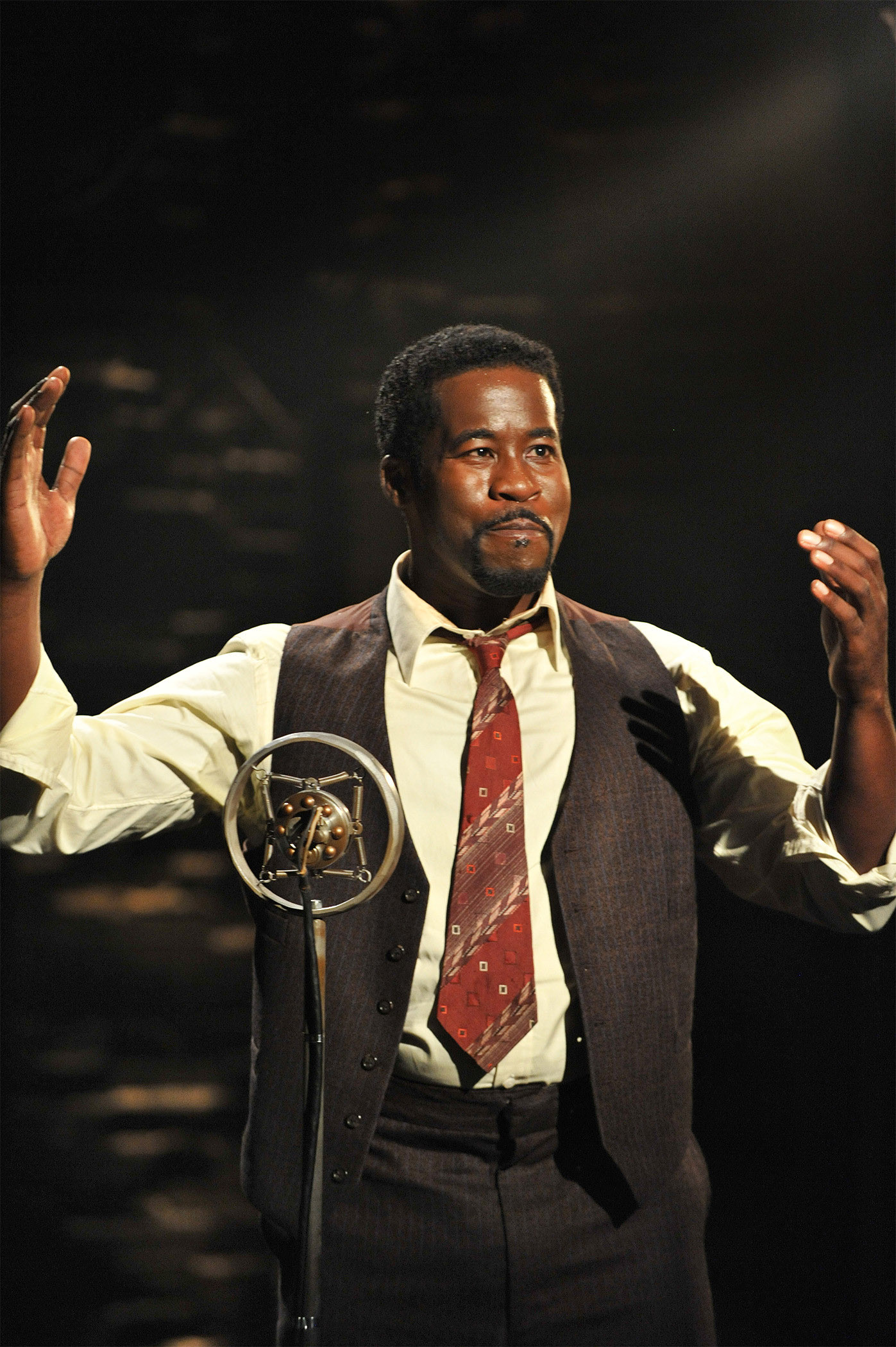 Caption: Daniel Beaty as Paul Robeson, Credit: Photo by Don Ipock, courtesy of Arena Stage