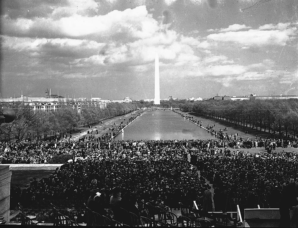 Caption: Marian Anderson Sings at Lincoln Memorial: 1939 # 3, Credit: Smithsonian Institution