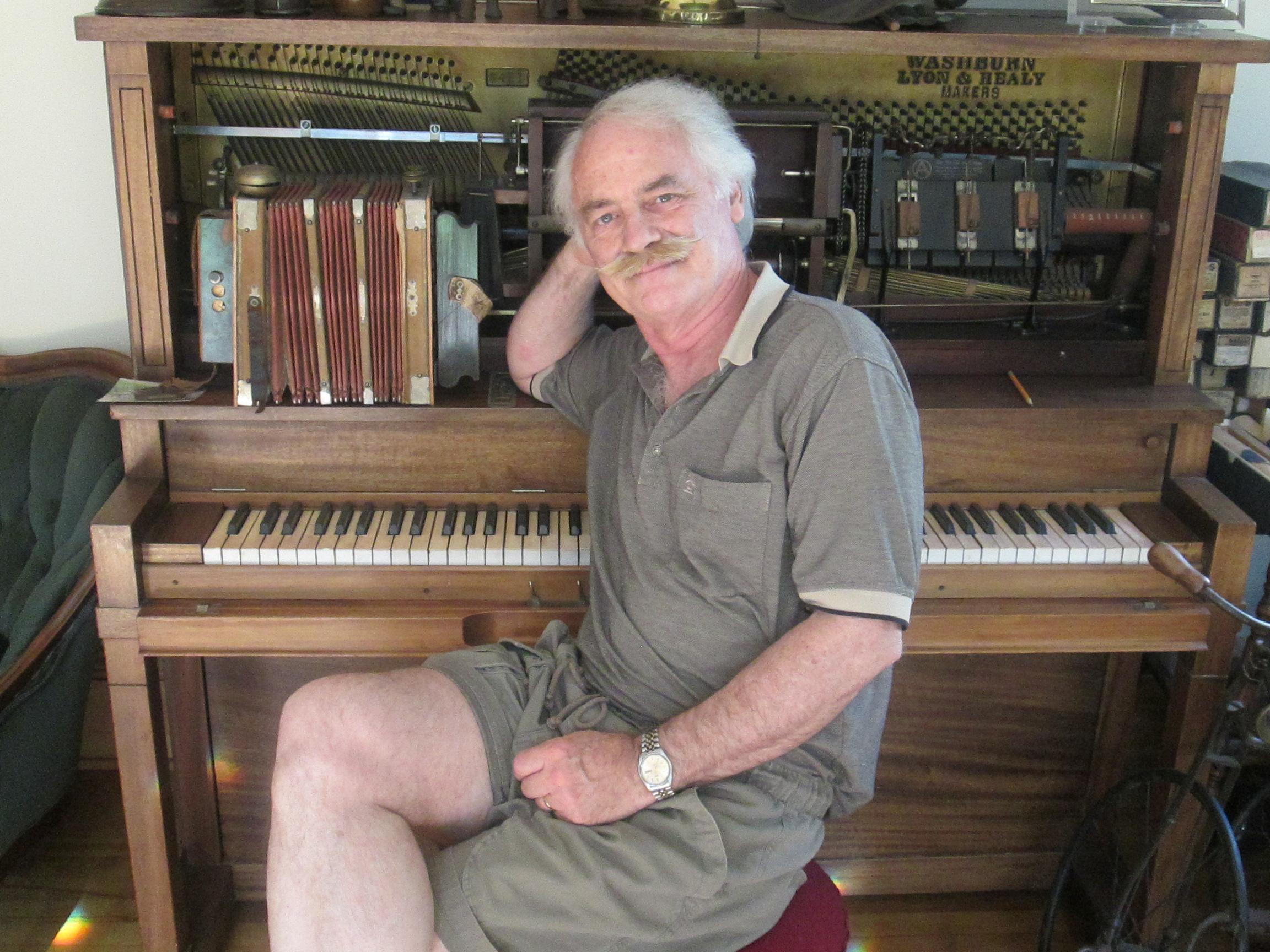 Caption: Scott Crosbie at the piano, Credit: Phil Nusbaum