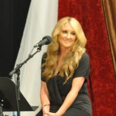 Caption: Country superstar Lee Ann Womack for the entire one hour broadcast of WoodSongs.
