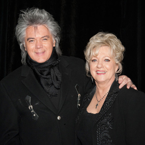 Caption: Marty Stuart & Connie Smith