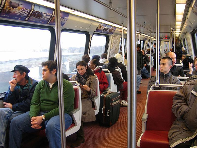 800px-dc_metro_car_interior_small