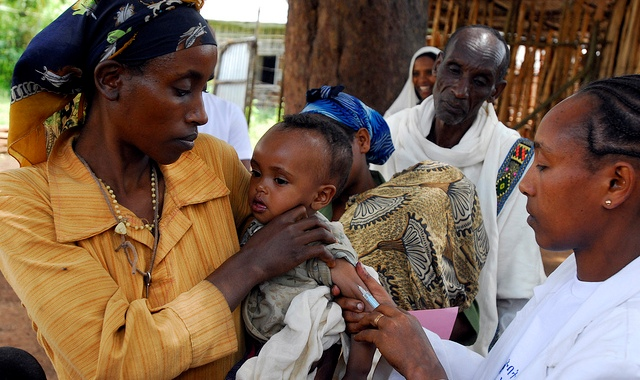 Caption: Measles vaccination in Ethiopia., Credit: UNICEF Ethiopia Creative Commons License BY-NC-ND 2.0, via flickr
