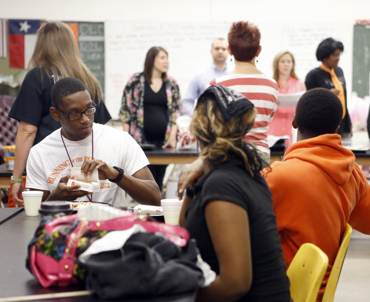 Caption: North Dallas High School students, Credit: Lara Solt