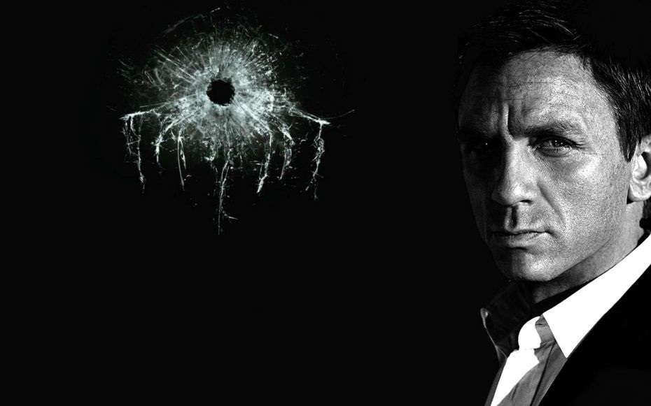 Caption: Daniel Craig as 007 James Bond in 'Spectre'