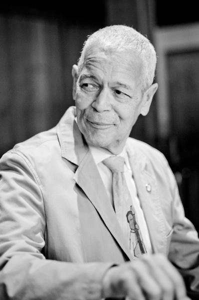 Julian_bond_small