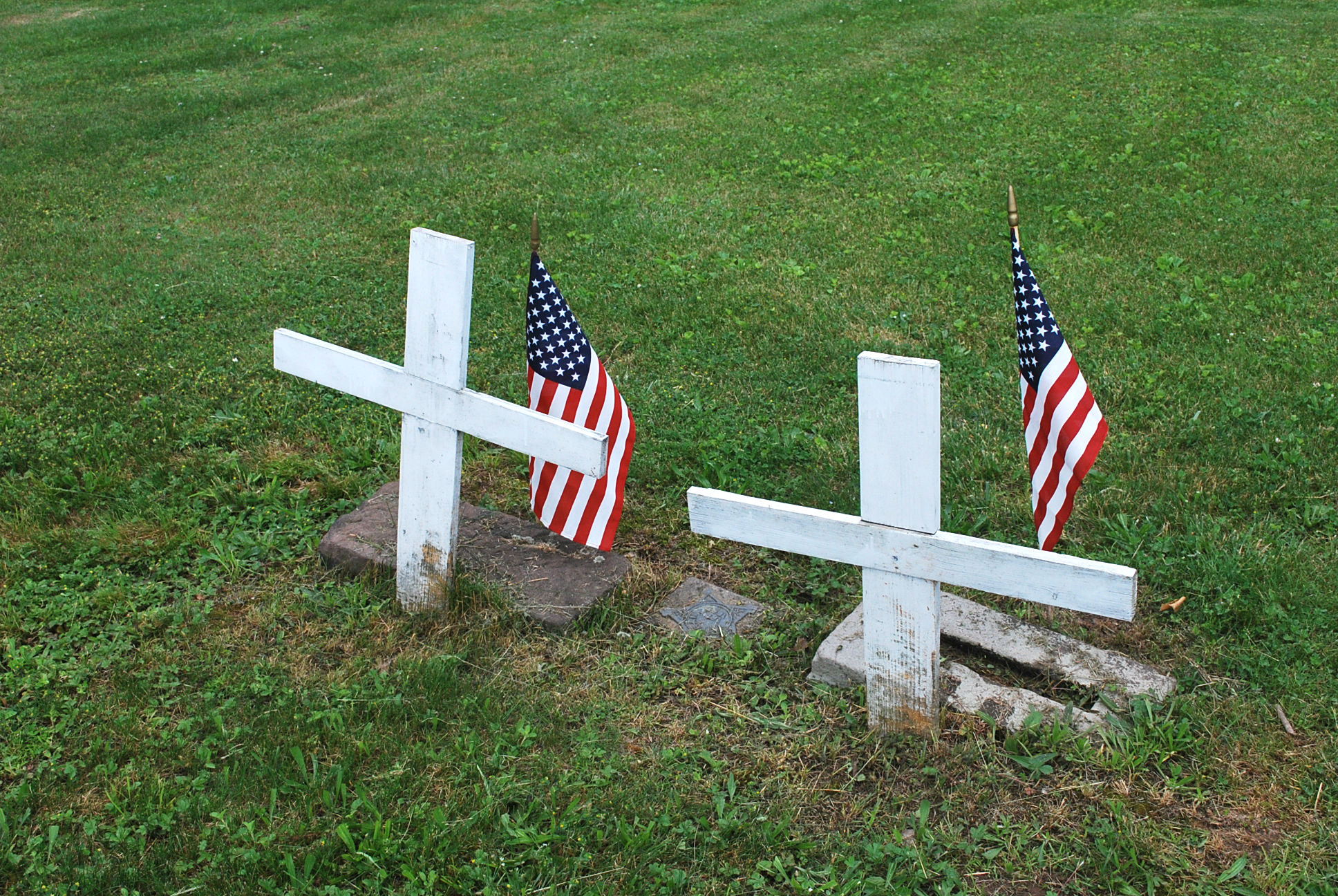 Caption: Unmarked graves on Yellow Hill, Credit: Tonya Fitzpatrick