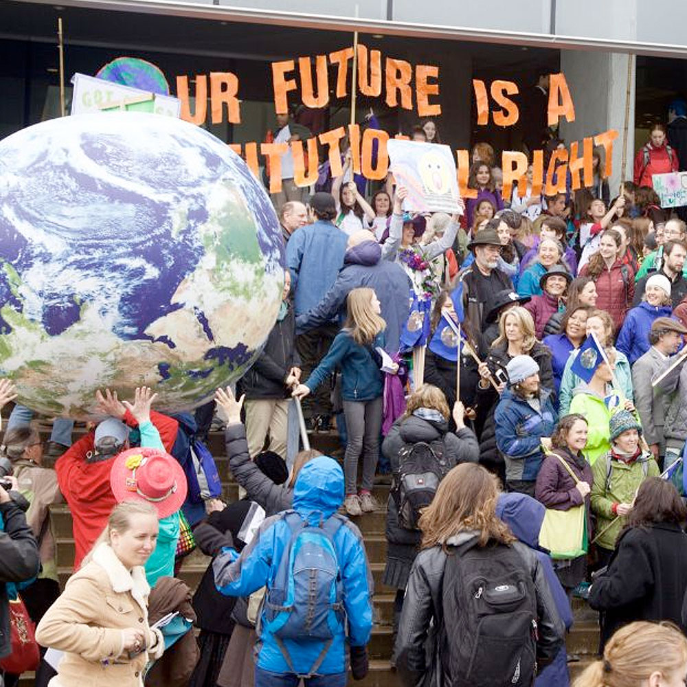 Caption: An Oregon lawsuit, spearheaded by Our Children's Trust, could force the state of Oregon to take a more aggressive stance against the carbon emissions warming the earth and destroying the environment., Credit: Our Children's Trust