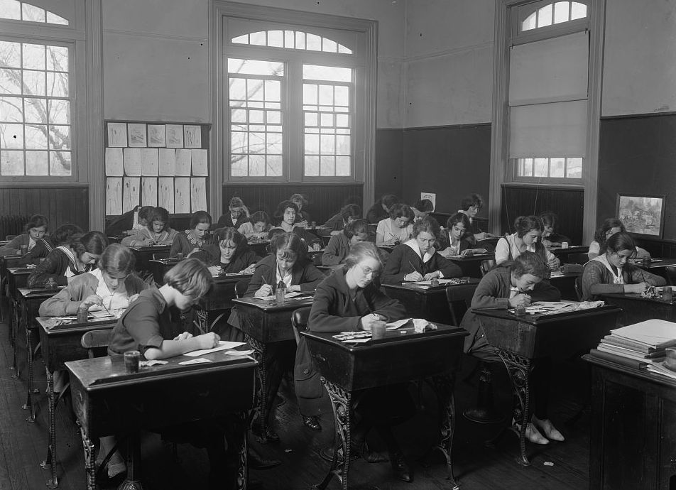 Caption: Junior High School: Classroom, by Harris & Ewing., Credit: Library of Congress
