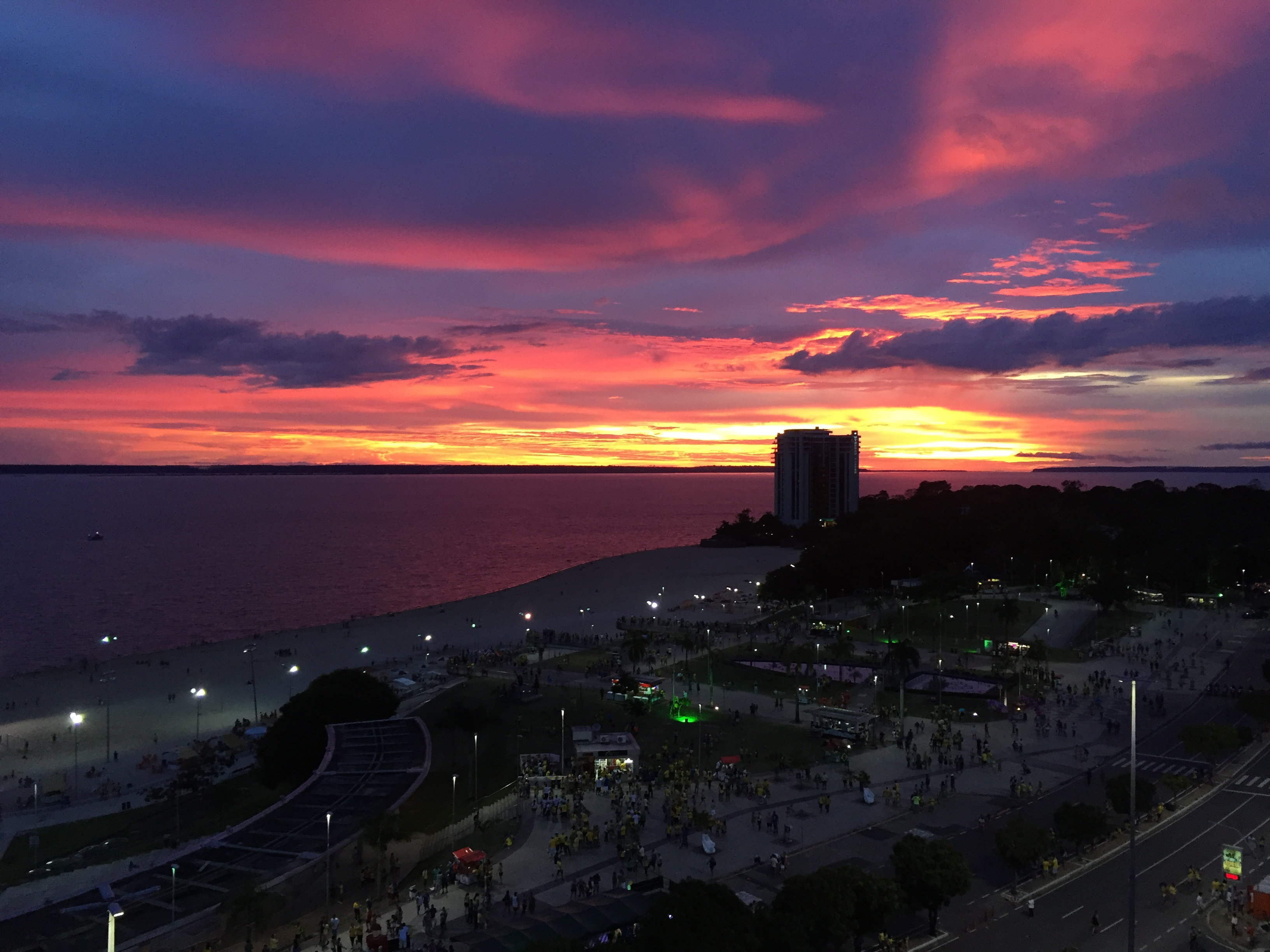 Caption: Sunset in Manaus, Credit: Lorena Daou Paixao e Silva, 2016