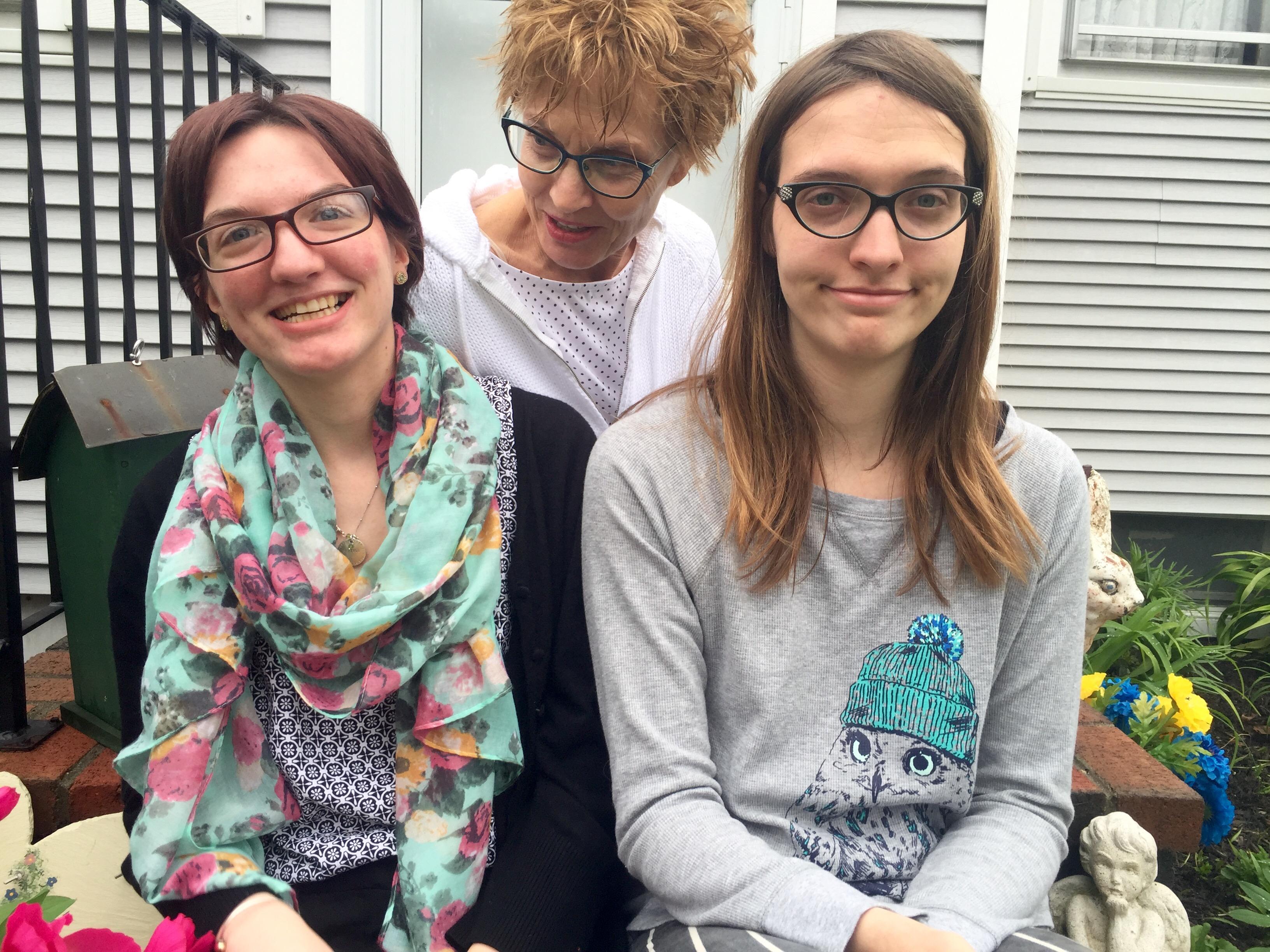 Caption: Diane with her daughters, Ellie & Jayden, Credit: Ellery Lamm