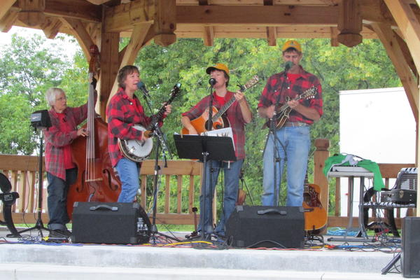 Caption: Performers on the Roseau, MN Nordic Gazebo