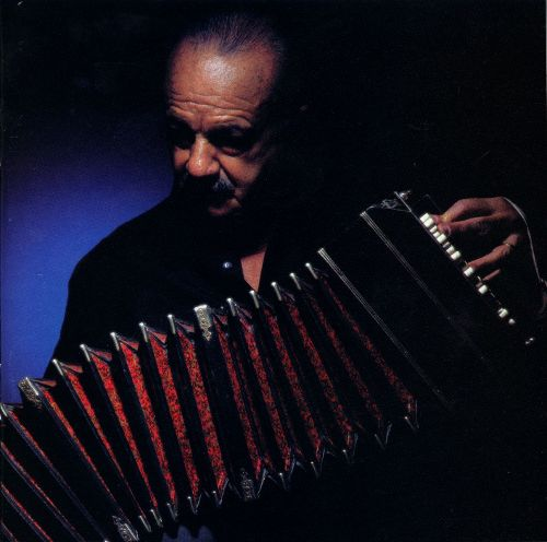 Caption: Composer/bandoneónista Astor Piazzolla