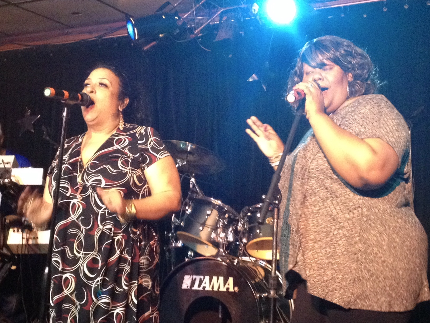 Caption: De'Monica Flye (left) and Kendra Glenn performing at Arnellia's Bar and Restaurant in St. Paul, Minnesota., Credit: Nancy Rosenbaum