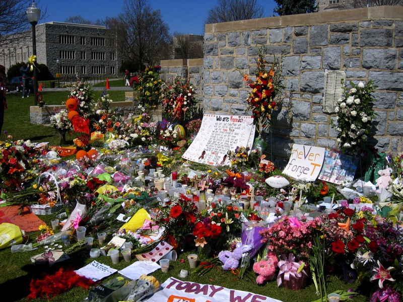 Virginia_tech_massacre_memorial_flowers_small