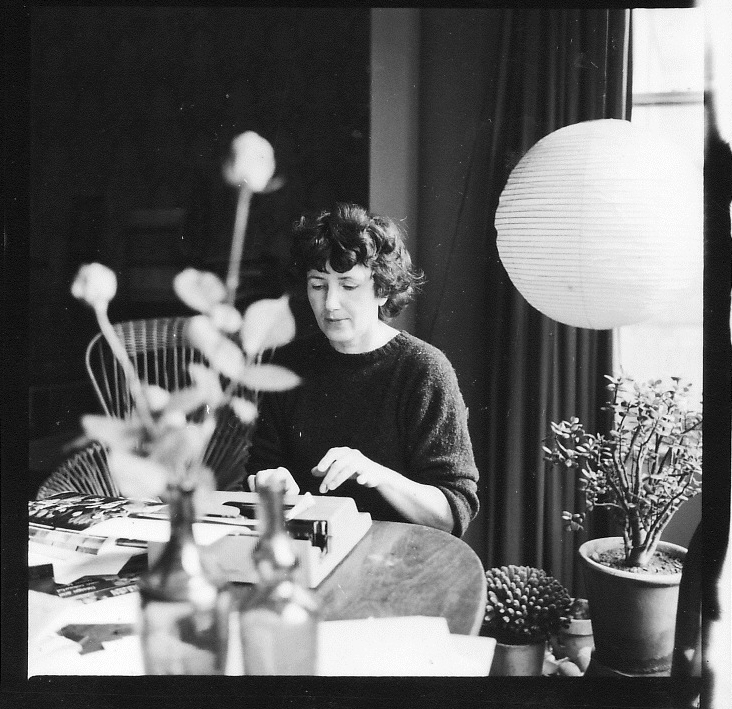 Caption: Patience Gray in her flat in London, circa 1960. Photo by Stefan Buzás. Courtesy of Nicholas Gray.